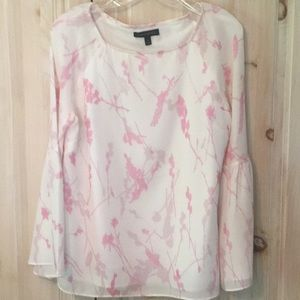 Banana republic white and pink top